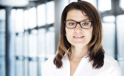 Justyna Budziwojski : Logistics and Export